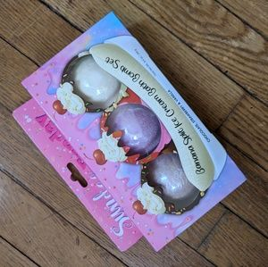 NWT banana split trio bath bombs